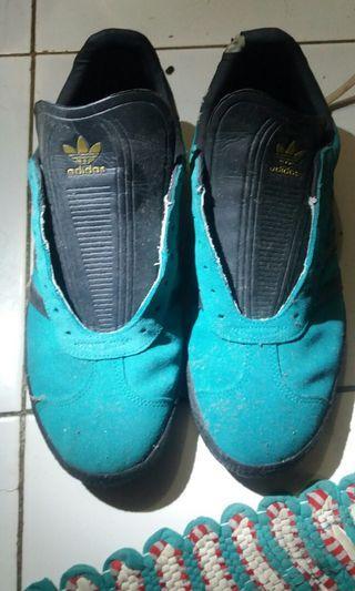 Jual Adidas Gazelle ORI size 42 Rp.450.000