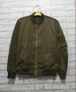 Jaket Bomber Original GU by Uniqlo not Converse Adidas