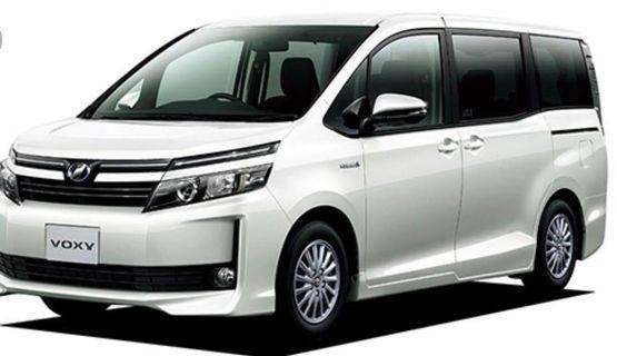 Toyota Voxy Hybrid 1.8a