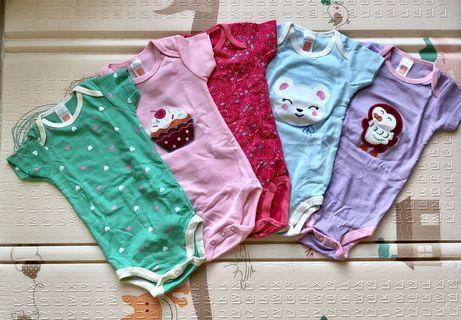 🚚 Carter Baby Girl Romper - 9-12 months - NEW