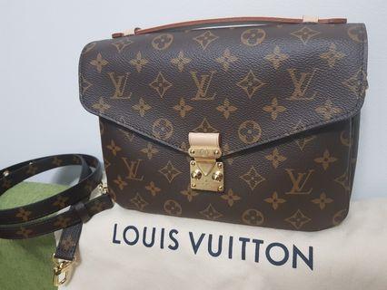 BNIB Louis Vuitton Pochette Metis
