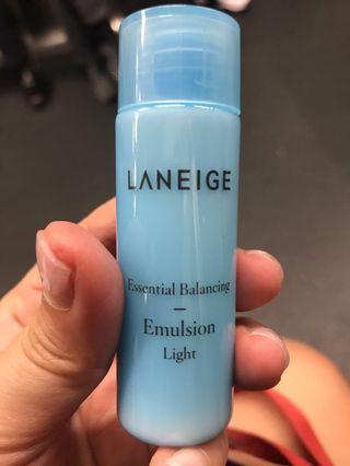 Laneige Sample essential balancing emulsion light 25ml expire 2020/1/17