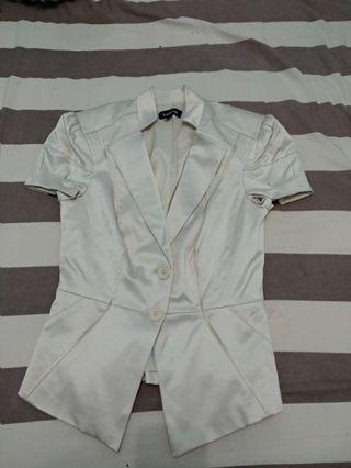Atasan vest rompi putih merk bebe