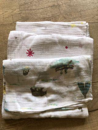 🚚 Muslin cotton swaddles
