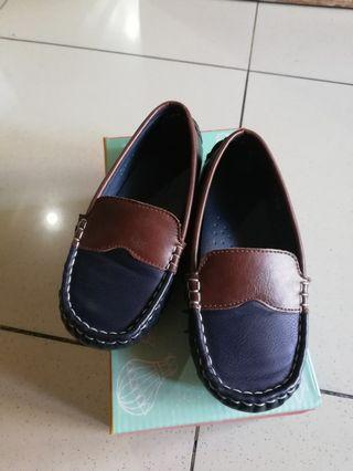 Meet my feet navy blue slip on shoes fits 3 to 4 yrs old size 27