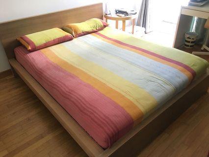 🚚 Queen Size IKEA Skorva Bed and IKEA Sultan Mattress