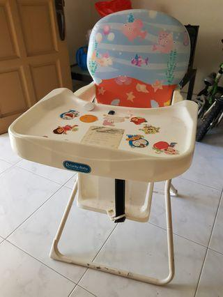 🚚 Preloved baby high chair for sale