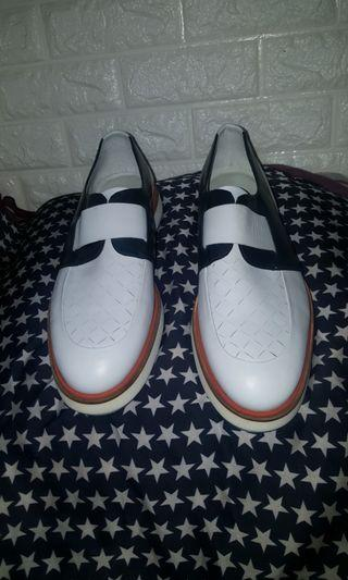 SALVATORE FERRAGAMO SHOES ( MADE IN ITALY )