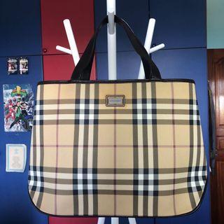 Vintage Genuine Burberry Handbag - 22x35cm