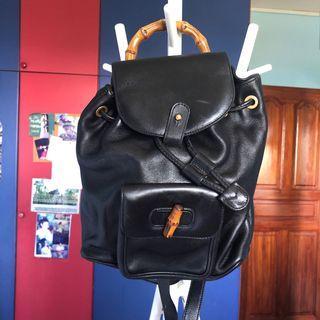 🚚 Vintage Gucci Black Bagpack