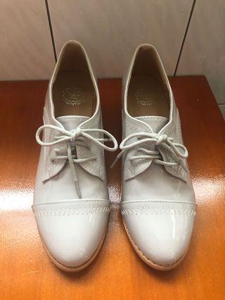 🚚 銀灰亮皮牛津鞋 粗跟