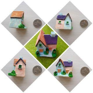 Terrarium figurines house villa
