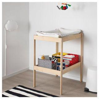 ⚡️PRICE REDUCED⚡️ Ikea SNIGLAR Changing table + SKOTSAM baby mat