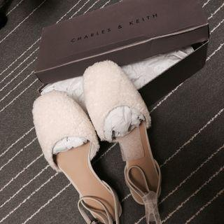 Charles & Keith flat shoes