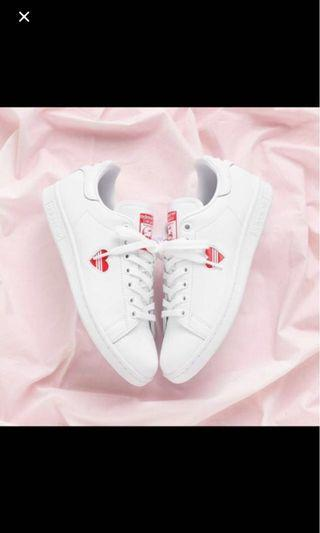 (PO) Adidas valentine heart sneakers