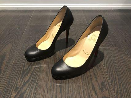 Christian Louboutin black pumps shoes
