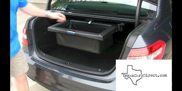Used Mercedes e class boot tray