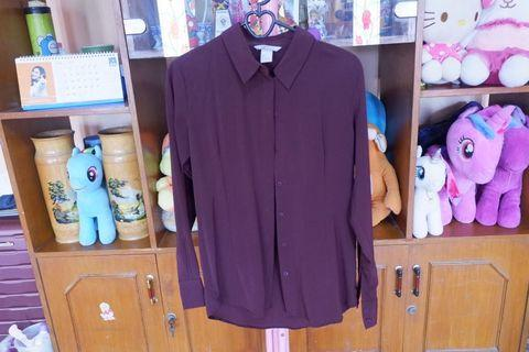 Hnm maroon shirt