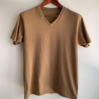 Uniqlo khaki V neck tee