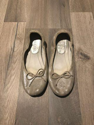 Chanel authentic flats shoes