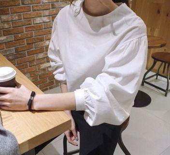 圓領蝙蝠泡泡袖質感白襯衫