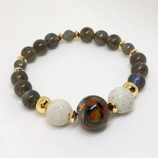🚚 Pietersite, Hokutulite and Labradorite crystals beads bracelet. A perfect grounding bracelet with intuitive pyschic knowledge enhancement