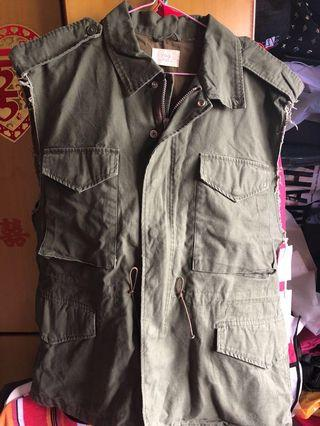 🚚 FOG Army Parker Cut Off Vest Fear Of God