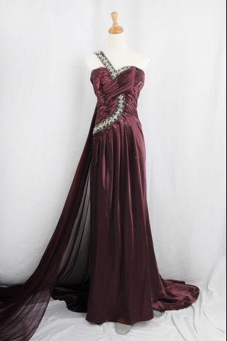 🚚 萊克二手禮服 酒紅色單肩緞面背飄紗Aline款晚禮服