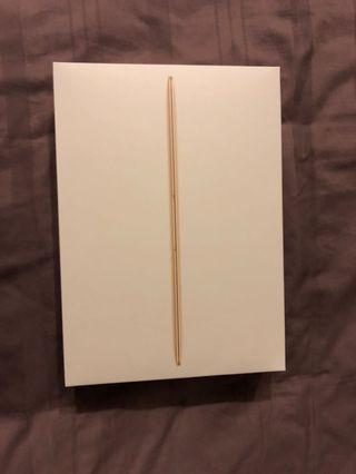 2017 Apple MacBook 12-Inch (Gold)