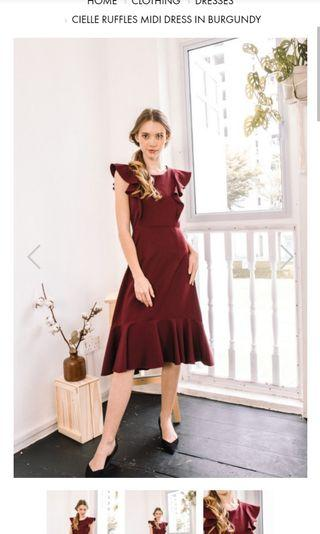 The stage walk cielle ruffles dress in burgundy size M
