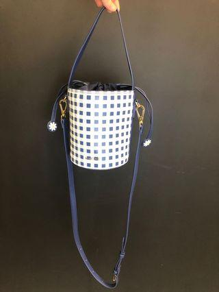 🚚 格紋水桶包