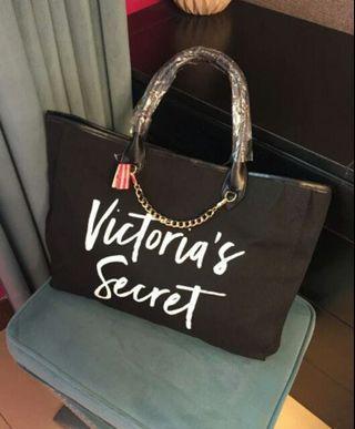 🚚 維多利亞肩背包包。維多利亞購物包