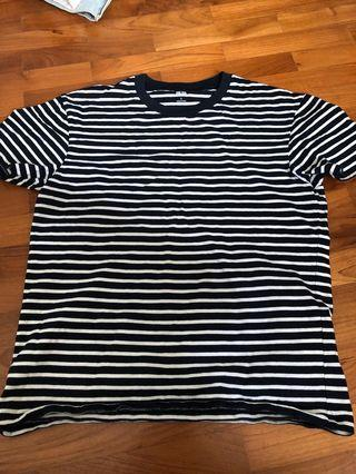 🚚 Uniqlo stripe tee