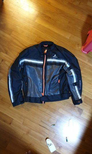 Eiger outride aero 1.0 riding jacket (with shoulder, elbow and back pads)