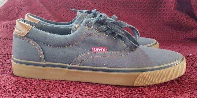 """Levis Size 9"""""""