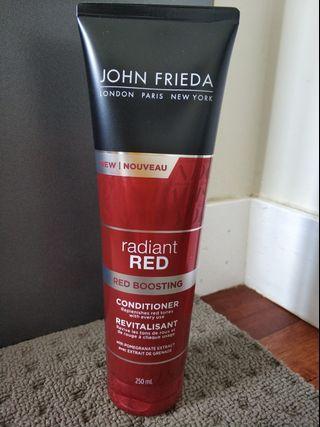 John Frieda Radiant Red Boosting Conditioner 250mL