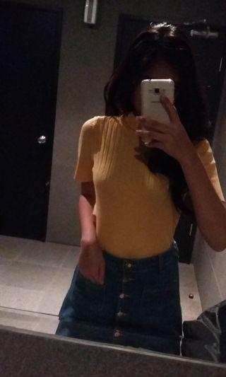 YELLOW TURTLENECK TOP RIBBED KNIT