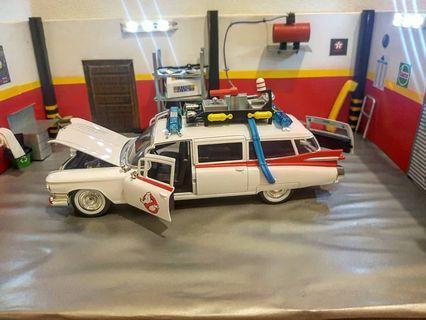 Jada Ghostbusters 1959 Cadillac Ambulance Ecto-1 Diecast Car 1:24 Jada 8 inch