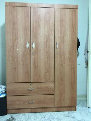 🚚 3 doors Wardrobe