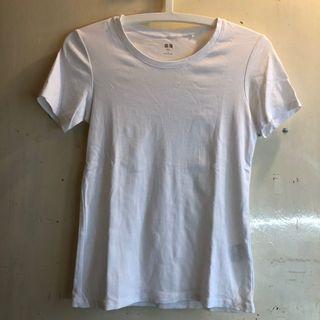Uniqlo white plain tshirt tee