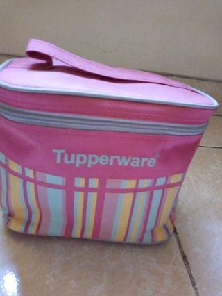 Set makan lengkap Tupperware