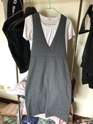 全新背心裙,僅下水。適合S尺寸的妳。含內搭上衣。薄款,夏天可穿