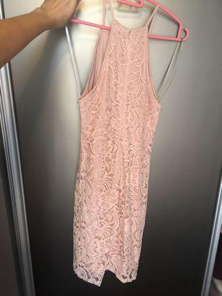 🚚 Pink Lace - Forever 21 dress.