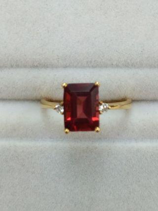 14K Yellow Gold Garnet with Diamonds Ring