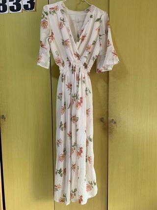 🚚 Floral Wrap Dress