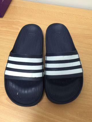 00f6455980a Used Slippers