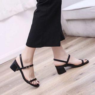 🚚 Black Sandals Heels