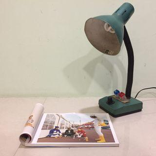 藍綠色鐵殼檯燈 /復古.早期.原味.老物件.桌燈