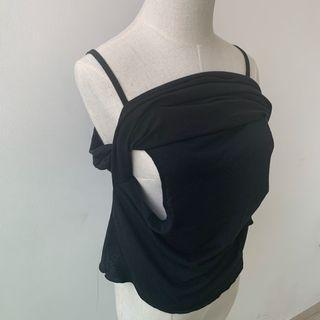 (Pre loved) black nursing tops 👚🌸
