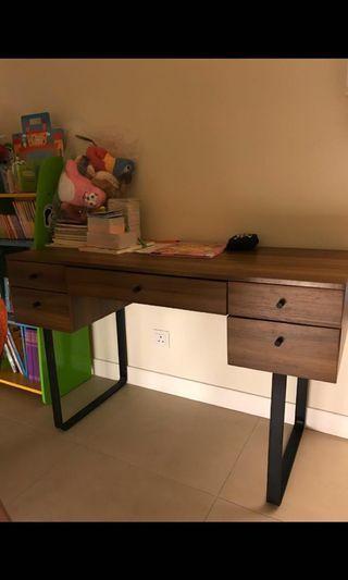 書枱書檯 Desk